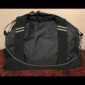 Callaway Bags - New OGIO Callaway Half Dome Duffel Bag & Balls